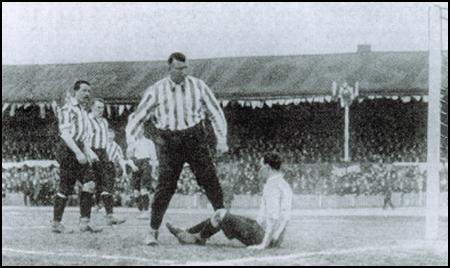 foulke-fa-cup-final-1901.jpg
