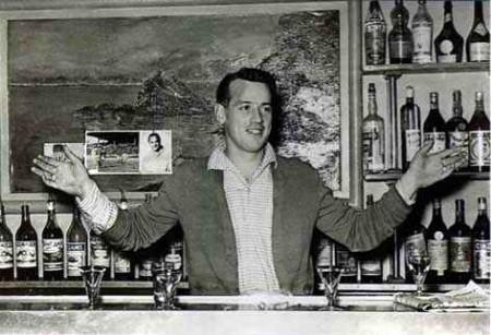 Gunnar au bar