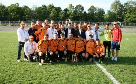 FC Veris en orange - Photo fcveris.md