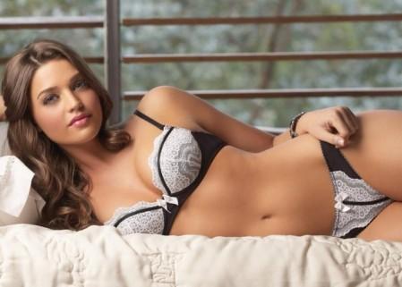 Lara Alvarez 6
